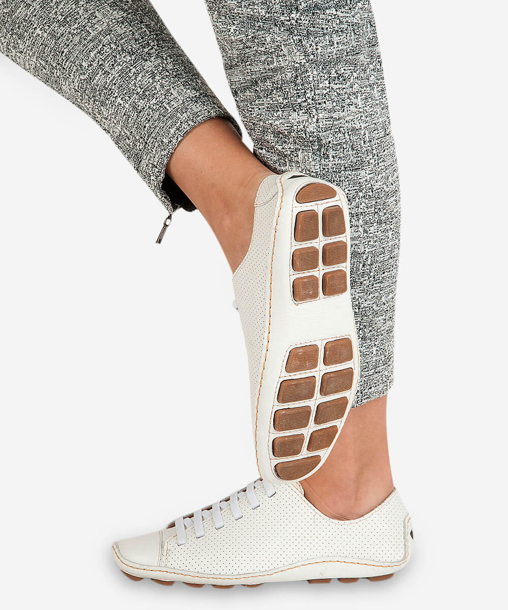 Tênis Comfort Perfuros De Couro - Branco