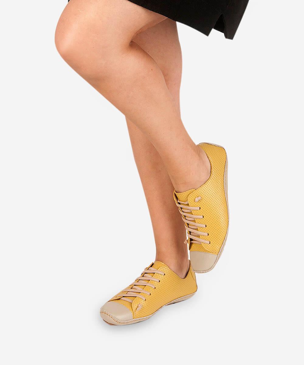 Tênis Comfort Perfuros De Couro - Amarelo